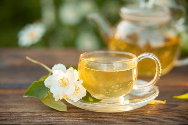 cup of jasmine tea; health benefits of floral tea