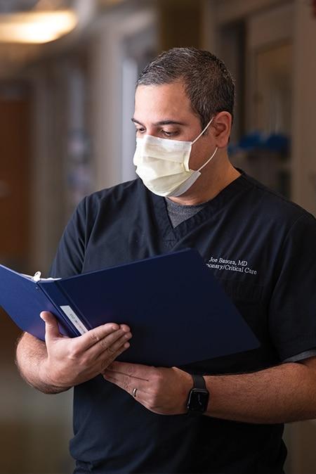 Jose Basora, MD, pulmonologist on the medical staff at Methodist Charlton