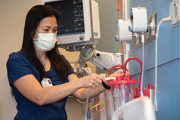 Jacklyn Yeap, BSN, RN, CCRN-CSC, nurse in the ICU at Methodist Richardson